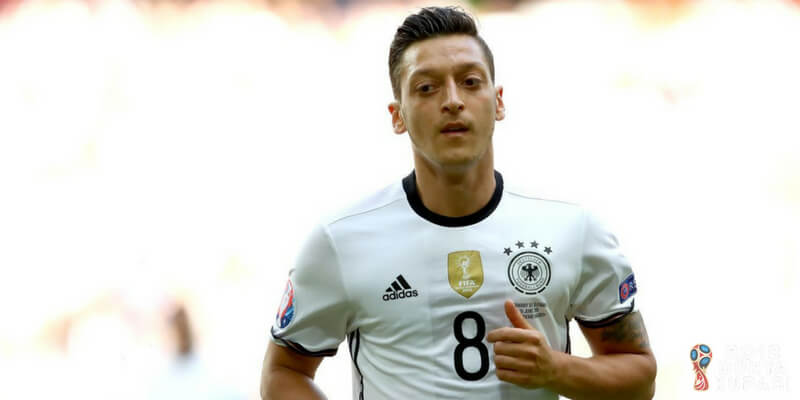 Mesut Özil Meksika Maçında Kadroda Yok